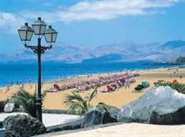 Canary Islands To Limit Tourist Numbers?