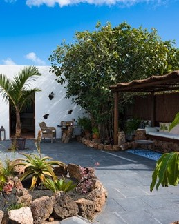 FUNKY FINCA Enjoy Outdoor Living At El Botanico