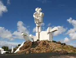 PROUD TRADITION Monumento Promotes Island Folklore