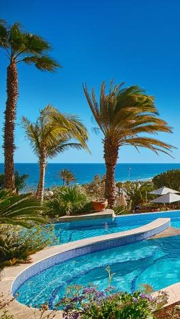 CHEQUE IN Hotel Investments Soar In Canaries