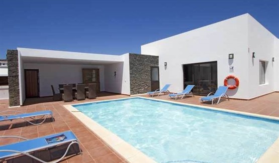 Villa Celeste, Playa Blanca, swimming pool