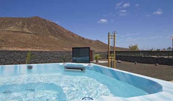 Villa Keur Taranga, Playa Blanca, Hot Tub Area