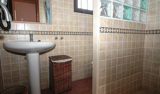 Villa Platano, Bathroom
