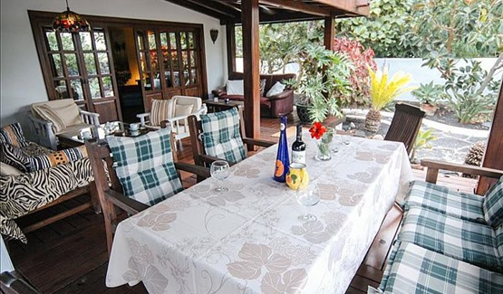 Villa Jardin, Outdoor Dining