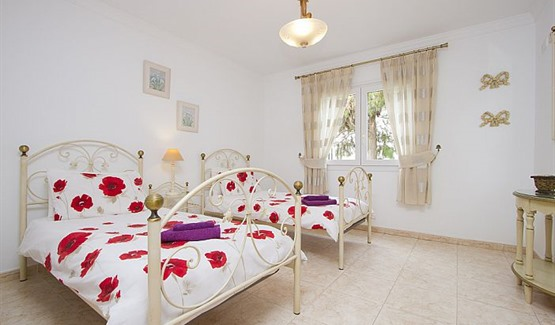 Villa Carmen, twin bedroom