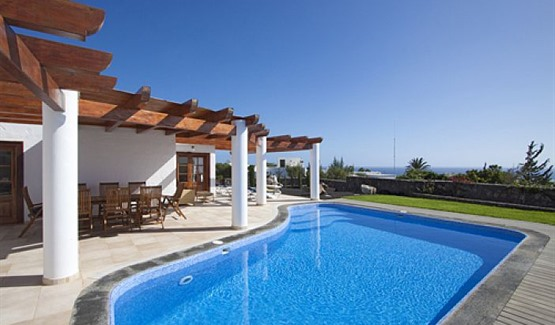 Villa Miraflores, view from pool