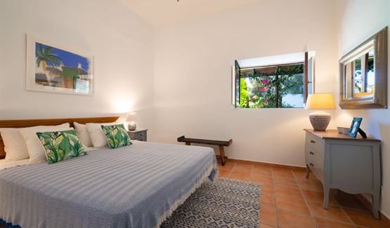 Finca Botanico Secret Garden - master bedroom