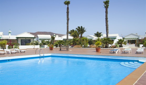 Jardin del Sol I, pool and sun loungers
