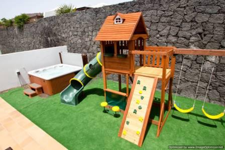 Villa Vista Lobos, Children's Play Area