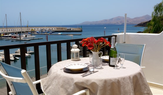 Harbour View, terrace dining