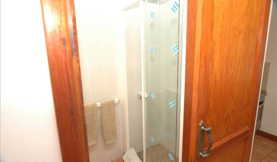 Harbour View, shower room
